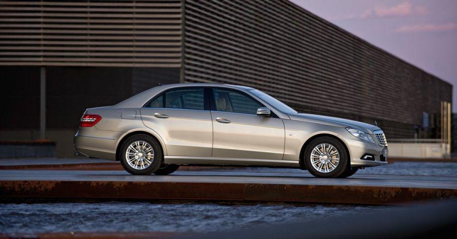 Elegante Erscheinung: Die E-Klasse von Mercedes zeigt sich optisch gediegen - wie steht's mit den inneren Werten?
