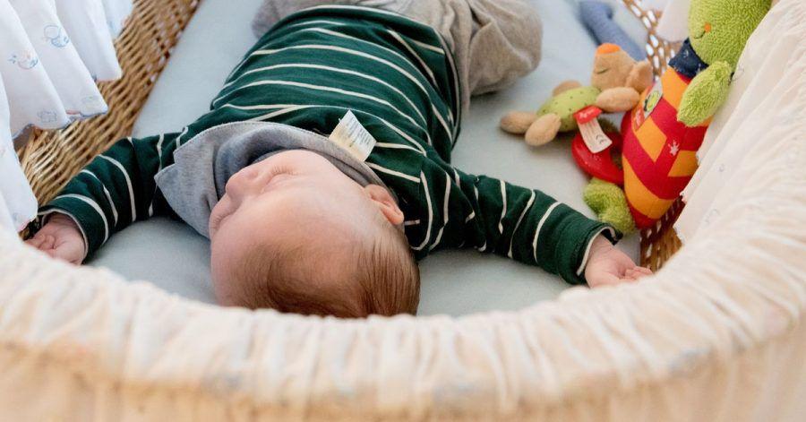 Sie sind so süß, wenn sie schlummern: Wenn Babyschlaf für Eltern ein belastendes Thema ist, kann vielleicht ein Schlafcoaching die rettende Lösung sein.