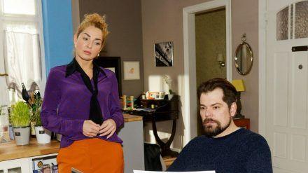 """""""GZSZ"""": Nina erklärt Leon, dass sie in ihrem Job unzufrieden ist. (cg/spot)"""