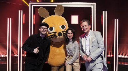 """""""Frag doch mal die Maus"""": Mark Forster (l.) und Stephanie Stumph mit Moderator Eckart von Hirschhausen (cg/spot)"""