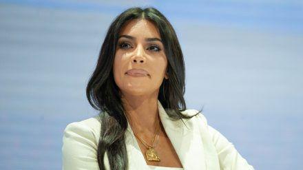 Kim Kardashian wohnt in Hidden Hills mit Sicherheitspersonal. (cos/spot)