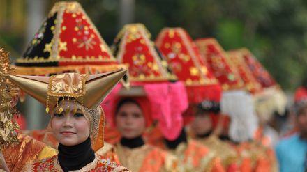 Indonesien: Die Minangkabau leben in einer matrilinealen Gesellschaft. (kms/spot)