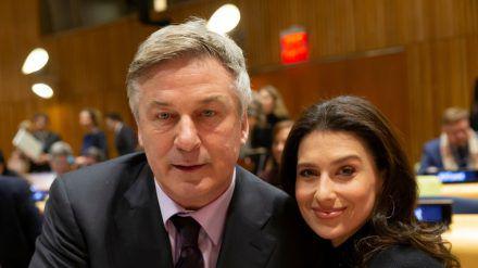 Alec Baldwin und Ehefrau Hilaria sind gemeinsam Eltern von sechs Kindern. (ili/spot)
