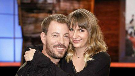 Gerald und Anna Heiser sind total vernarrt in ihr Baby. (ili/spot)