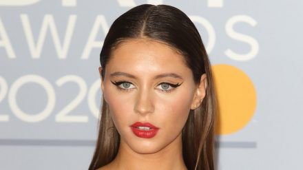 Iris Law 2020 bei den Brit Awards (mia/spot)