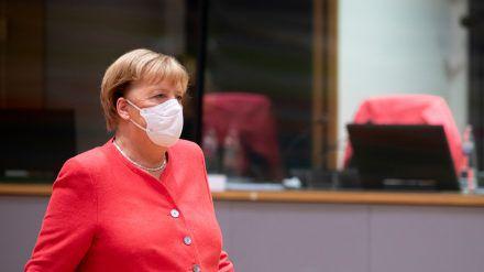 Bundeskanzlerin Angela Merkel sieht Deutschland an der Schwelle zu einer neuen Phase der Corona-Pandemie. (wag/spot)