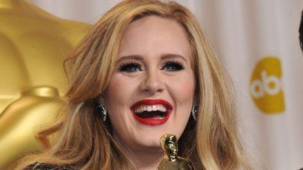 Superstar Adele soll geschieden sein. (ili/spot)