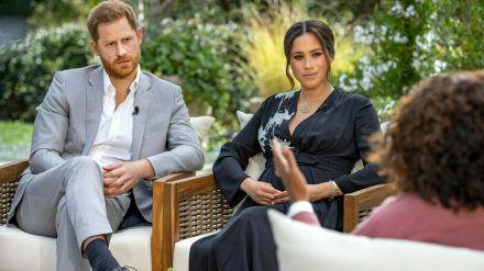 Prinz Harry und Herzogin Meghan im Gespräch mit Oprah Winfrey. (dr/spot)