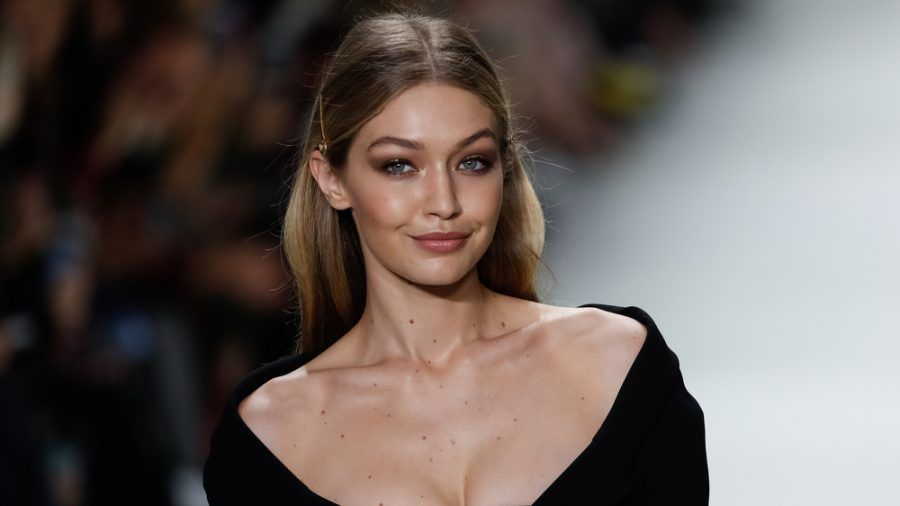 Model Gigi Hadid freut sich über ihr Laufsteg-Comeback. (cos/spot)