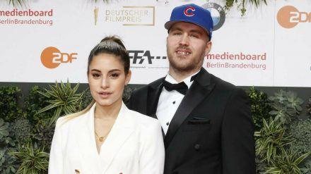 Almila Bagriacik und Sebastian Gündel beim Deutschen Filmpreis 2019 in Berlin. (cos/spot)