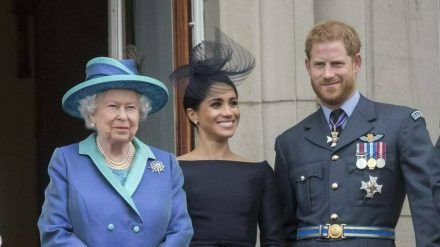 """""""Die Queen war immer wundervoll zu mir"""", sagte Herzogin Meghan (Mitte) über die Großmutter ihres Mannes, Prinz Harry. (ili/spot)"""