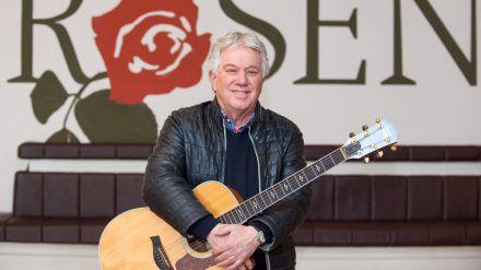 """Rolf Zuckowski übernimmt eine Gastrolle bei """"Rote Rosen"""". (ili/spot)"""
