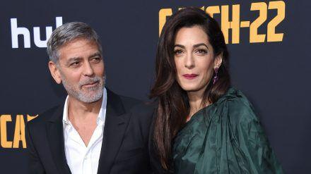 George und Amal Clooney auf einer Filmpremiere im Jahr 2019 (wue/spot)
