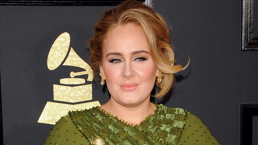 Adele bei einem Grammy-Auftritt (hub/spot)