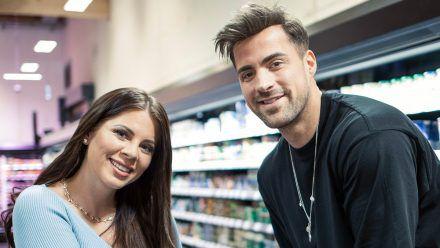 Jenny Frankhauser und Tobi Wegener gehen shoppen
