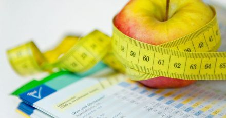 Eine Ernährungsumstellung ist oft ein Teil der Therapie, um den gestörten Stoffwechsel in den Griff zu bekommen.