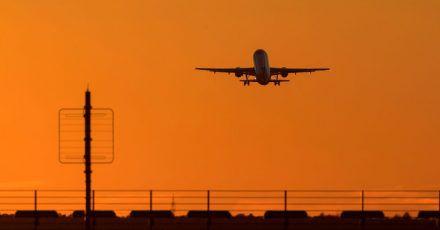 Rechtzeitig zu den Sommerferien in Deutschland könnte das einheitliche Covid-Zertifikat kommen. Es soll Reisen in Europa vereinfachen.