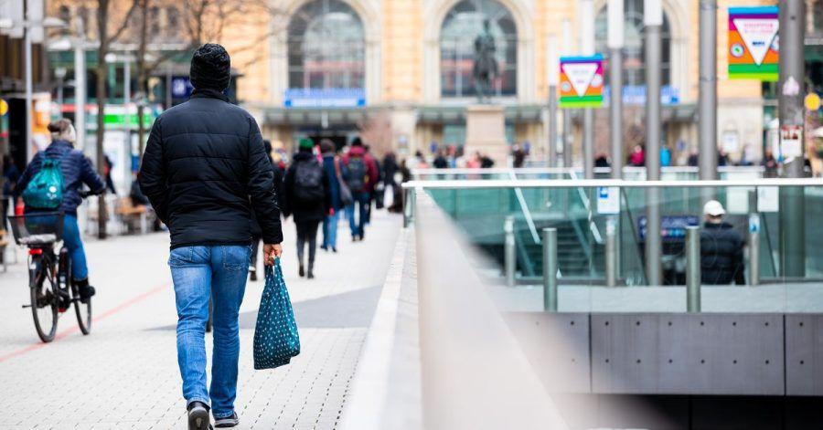Für viele Verbraucher entfallen Kinobesuche und lange Urlaubsreisen während der Pandemie. Das Konsumverhalten vieler Menschen hat sich allerdings auch darüber hinaus verändert.