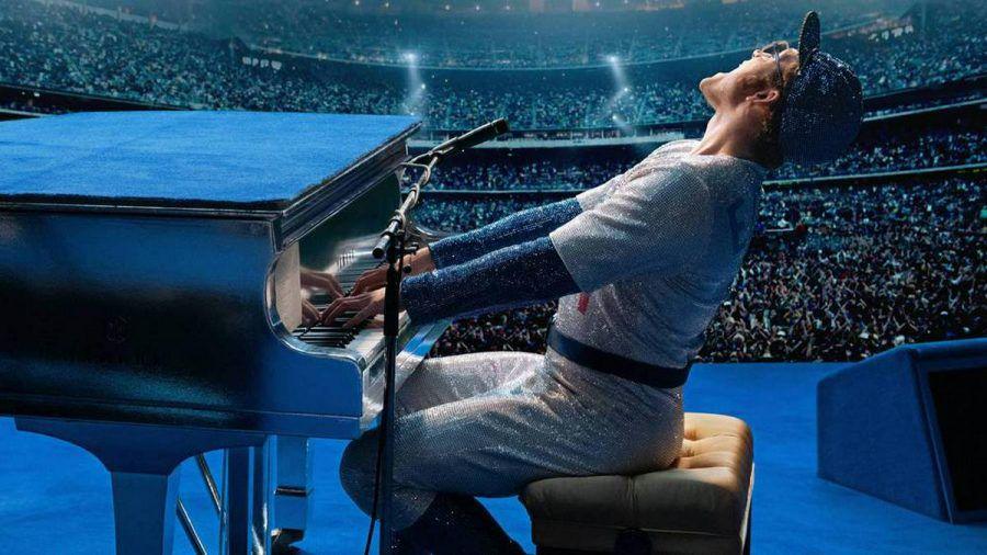 Taron Egerton liefert als junge Version von Sir Elton John ein buntes Spektakel ab. (jkl/spot)
