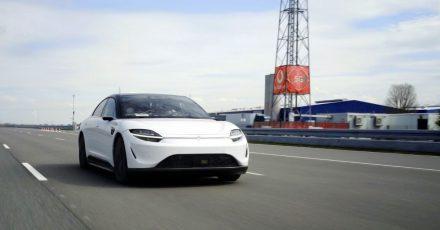 Sony entwickelt seinen Elektroauto-Prototypen mit der Anbindung an das superschnelle 5G-Datennetz weiter.