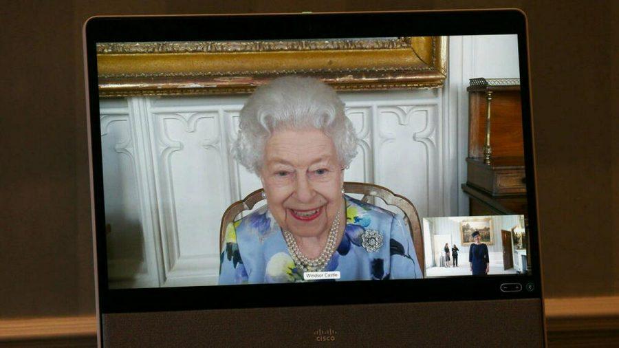 Queen Elizabeth II. während eines Termins am 27. April (wue/spot)
