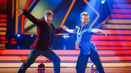 """Nicolas Puschmann (l.) tanzt seit Anfang März mit Vadim Garbuzov bei """"Let's Dance"""" um den Sieg. (jru/spot)"""