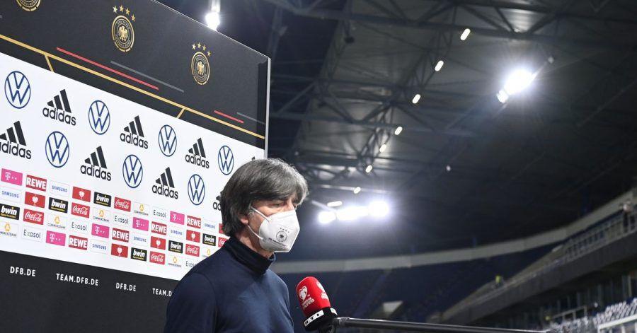 Bundestrainer Joachim Löw nach dem verlorenen Spiel gegen Nordmazedonien.
