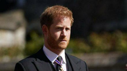 Prinz Harry bei der Beerdigung von Prinz Philip (hub/spot)