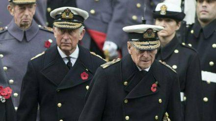 Prinz Charles (l.) und Prinz Philip im Jahr 2014 (wue/spot)