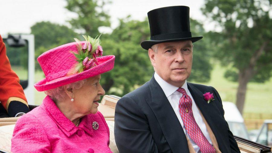 Die Queen und Prinz Andrew (mia/spot)