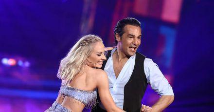 Der letzte Tanz:Schauspieler Erol Sander (hier mit Tänzerin Marta Arndt) ist ausgeschieden.