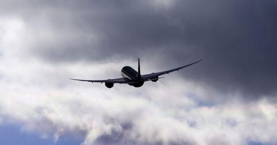 Gibt es ein Recht auf eine pauschale Entschädigung, wenn ein Flieger auf einen nahe gelegenen Flughafen umgeleitet wird?