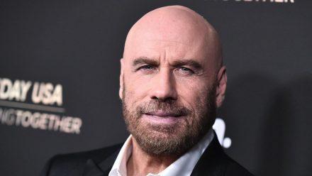 John Travolta Anfang 2020 auf dem roten Teppich (mia/spot)