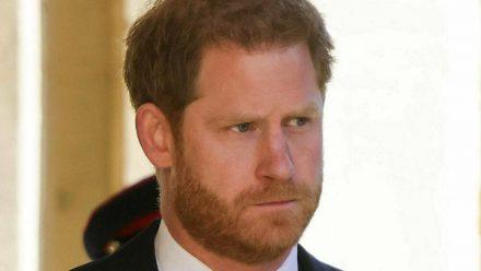 Prinz Harry vor der Trauerfeier für seinen verstorbenen Großvater (wue/spot)