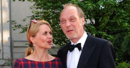 «Unser Ziel war es, eine Diskussion anzustoßen»: Die Schauspieler Christine Sommer und Martin Brambach entschuldigen sich nachKritik für ihre Teilnahme an der #allesdichtmachen-Aktion.