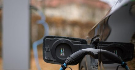 Elektrofahrzeuge stellen Autobauer auch in Sachen Sicherheit vor neue Herausforderungen.