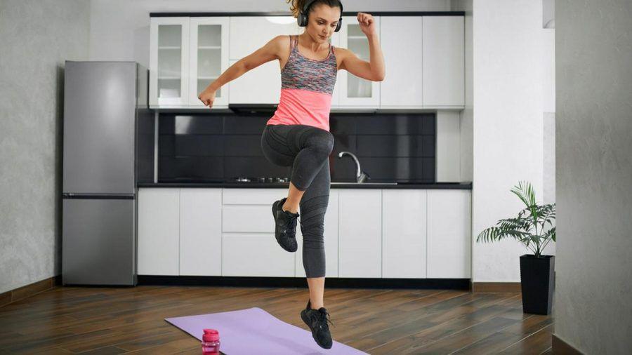 Springen ist nur eine von vielen Bewegungen, die wir von klein auf beherrschen. (eee/spot)