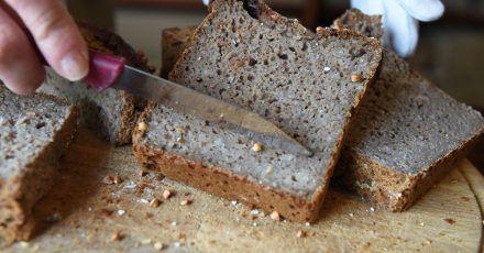 Glutenfreies Brot aus Buchweizen.