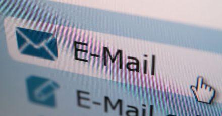 Eine verärgerte E-Mail kann emotionales Chaos auslösen - darüber sollte man sich bewusst sein.