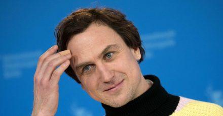 Er ist Kult: Lars Eidinger ist an der Schaubühne als Hamlet und auch mal als DJ unterwegs.