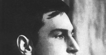 """Undatiertes Porträt des deutschen Malers und Künstlers Franz Marc - Mitbegründer von """"Der Blaue Reiter""""."""