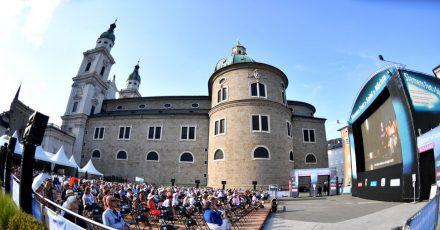 Freiluft-Übertragung der Premiere der Oper «Elektra» von R. Strauss 2020 in Salzuburg.