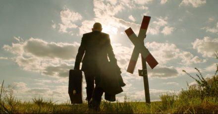 Ulrich Kainer (Martin Wuttke) tritt seine letzte Reise an.