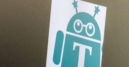 Hat etwas von einem Androiden: Die «Textfee»-App liest Text aus Fotos und Dokumenten aus, damit man diesen bearbeiten oder durchsuchen kann.