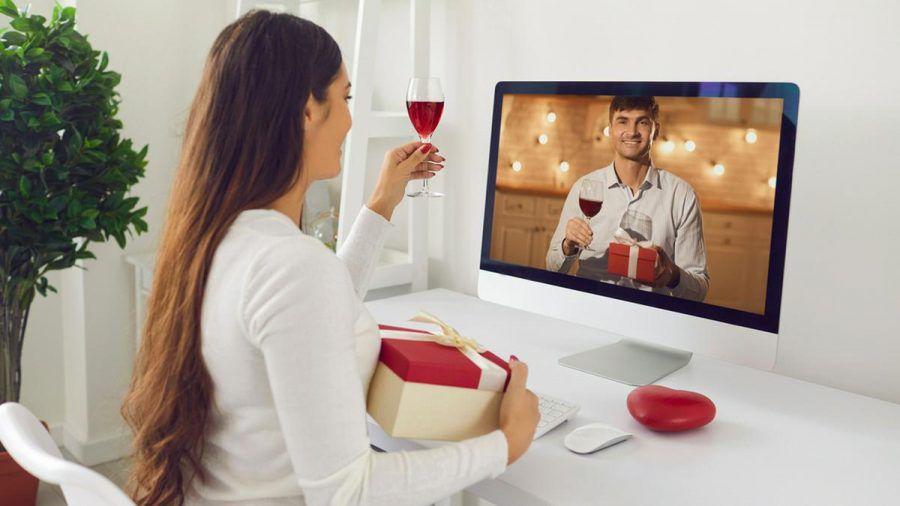 In der Corona-Krise daten mehr Menschen per Videocall. (elm/spot)