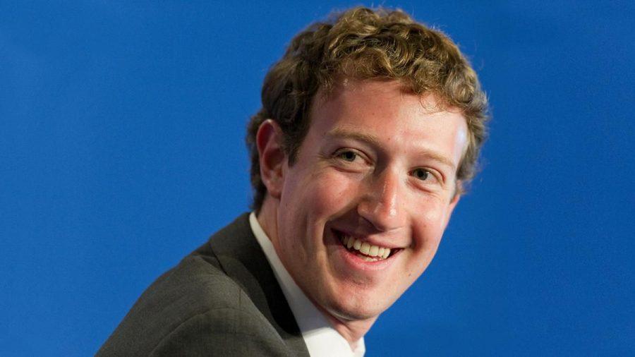 Mark Zuckerberg kann über sich selbst lachen. (mia/spot)