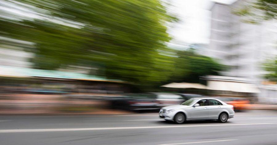 Zu schnell gefahren: Die Überarbeitung der Straßenverkehrsordnung (StVO) kommt aktuell nicht zur Anwendung.