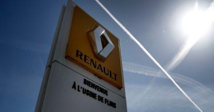 Renault teilte mit, wegen der Lage bei den Bauteilen sei es zurzeit unmöglich, eine verlässliche Vorhersage für die Produktion im laufenden Jahr zu machen.