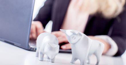 Wer mit Wertpapieren handeln will, braucht ein Depot. Dabei gibt es durchaus Unterschiede bei den Gebühren.