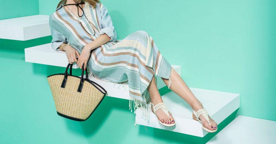 Flache Sandalen liegen in diesem Sommer im Trend - denn wir mögen es derzeit einfach gerne bequem. Hier ein Beispiel von Deichmann (ca. 20 Euro).